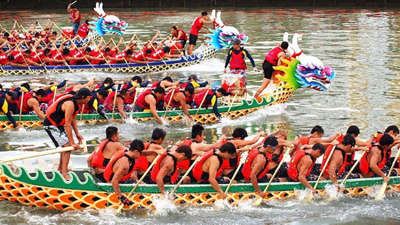 The Fifth Day of the Fifth Month: the Dragon Boat Festival