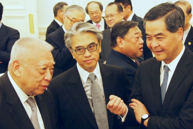 C Y Leung holds a conversation with Mr. CH Tung and CUSEF supporters