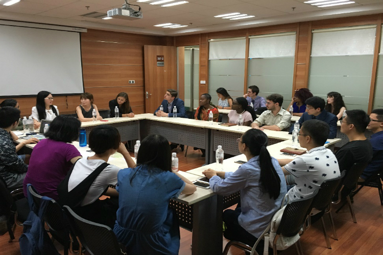 Interacting with professors and students of School of Public Affairs, Zhejiang University